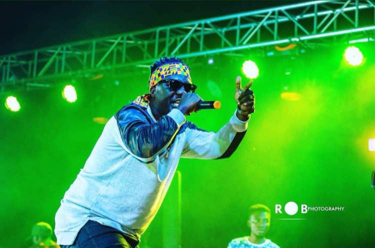 Obibini Thrills Legon Hall Students With Outstanding Performance.