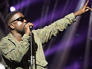 EXCLUSIVE!! Unpredictable Endorsement For Sarkodie By A great Gospel Artist??