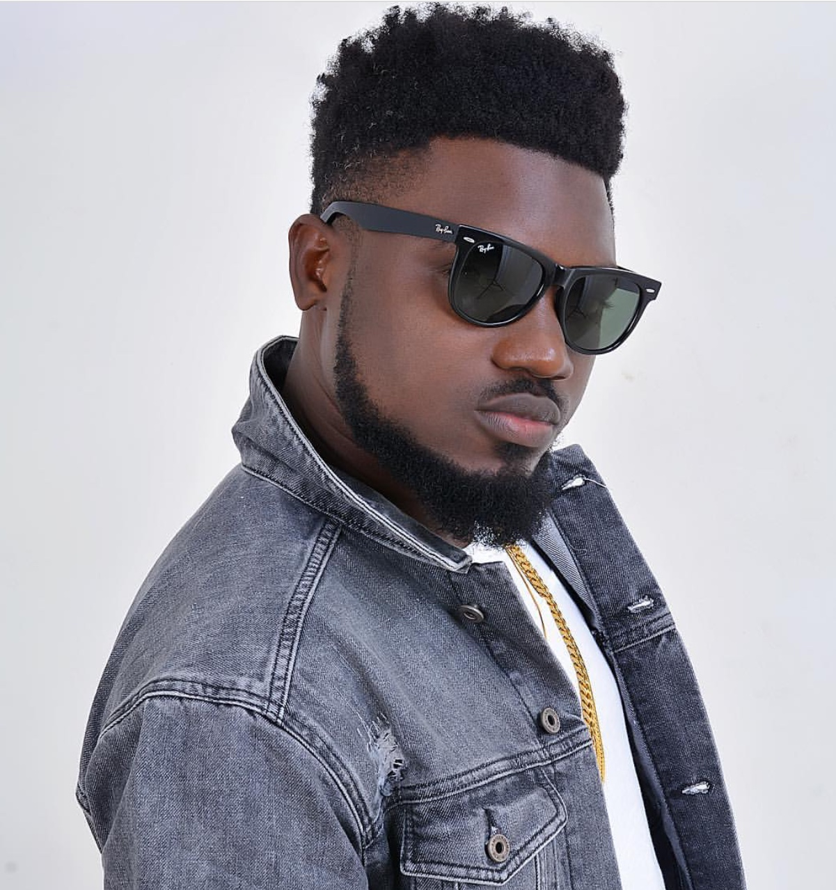 OUR STRUCTURES ARE BAD! It Doesn't Help Musicians – – DONZY Tells Music Stakeholders