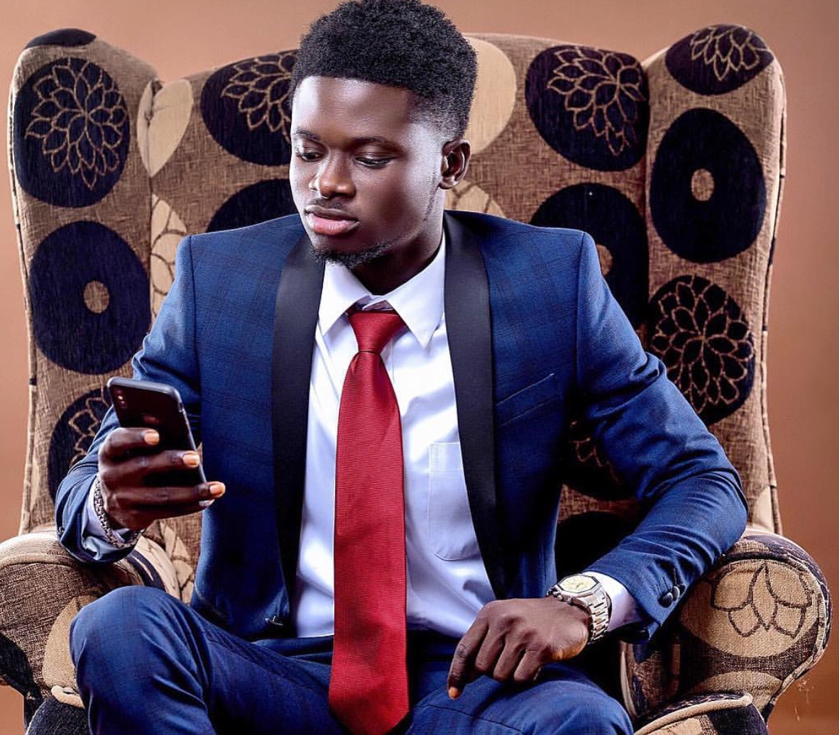 Get2Know: Fan Asked Kuami Eugene For A Verse, His Reply Would Shock You.